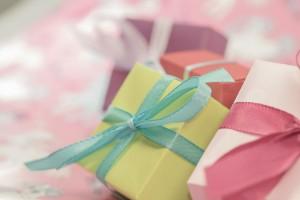 gift-553130_1280